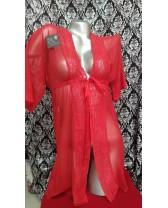 Bata de tul con bordes de encaje roja